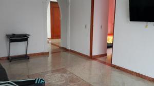 Habitaciones en Medellín (Apartahotel Ferjaz), Гостевые дома  Медельин - big - 152
