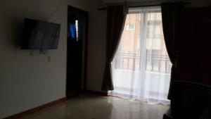 Habitaciones en Medellín (Apartahotel Ferjaz), Гостевые дома  Медельин - big - 153