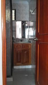 Habitaciones en Medellín (Apartahotel Ferjaz), Гостевые дома  Медельин - big - 45