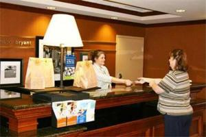 Hampton Inn Bryant, Hotels  Bryant - big - 6