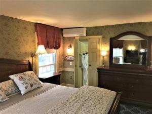 Schoolmaster's House Bed & Breakfast, Bed and Breakfasts  Niagara on the Lake - big - 18