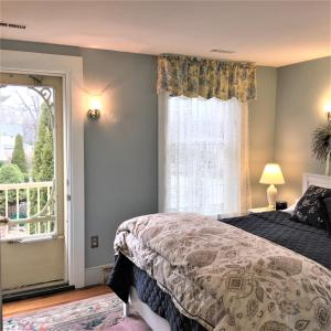 Schoolmaster's House Bed & Breakfast, Bed and Breakfasts  Niagara on the Lake - big - 4