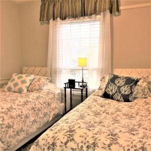 Schoolmaster's House Bed & Breakfast, Bed and Breakfasts  Niagara on the Lake - big - 11