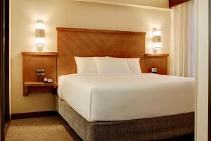 King Room - High Floor/Sofa Bed