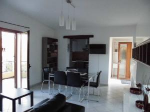 Villa Lucheria, Dovolenkové domy  Loceri - big - 21