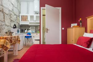 Centenary Fontainhas Apartments, Apartmány  Porto - big - 38