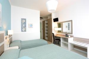 Hotel Hiki, Hotely  Bibione - big - 18