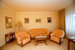 Hotel Maxim, Отели  Орадя - big - 5