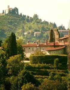 Castello di Cernusco Lombardone