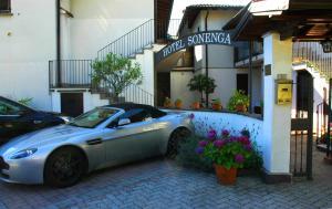 Hotel Sonenga, Отели  Менаджо - big - 68