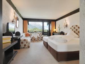 Kaysers Tirolresort – Wohlfühlhotel für Erwachsene, Hotels  Mieming - big - 12
