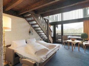Kaysers Tirolresort – Wohlfühlhotel für Erwachsene, Hotels  Mieming - big - 9