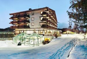 Kaysers Tirolresort – Wohlfühlhotel für Erwachsene, Отели  Миминг - big - 1