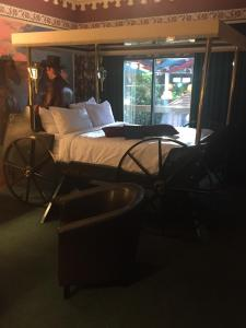 Carriage Theme Room
