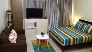 Studio Condo Near Manila Airport (Cluster B-6i), Apartments  Manila - big - 12