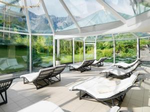 Kaysers Tirolresort – Wohlfühlhotel für Erwachsene, Hotels  Mieming - big - 38