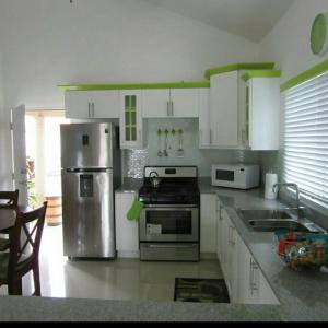 caymanas estate AJ Guest house, Ferienhäuser  Caymanas - big - 8