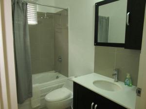 caymanas estate AJ Guest house, Ferienhäuser  Caymanas - big - 4
