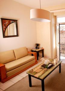 Hotel & Suites Galeria, Hotely  Morelia - big - 33
