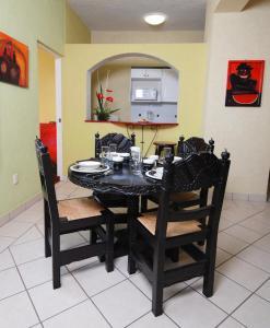 Hotel & Suites Galeria, Hotely  Morelia - big - 16