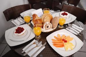 Hotel & Suites Galeria, Hotely  Morelia - big - 40
