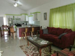 caymanas estate AJ Guest house, Ferienhäuser  Caymanas - big - 12