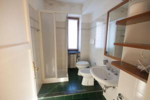 Agriturismo Castello di Vezio, Apartmanhotelek  Varenna - big - 39