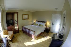 King or Queen Room with Harbour View