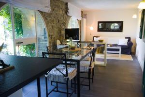 Agriturismo Castello di Vezio, Apartmanhotelek  Varenna - big - 7