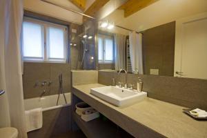Agriturismo Castello di Vezio, Apartmanhotelek  Varenna - big - 66
