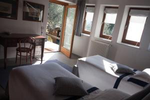 Agriturismo Castello di Vezio, Apartmanhotelek  Varenna - big - 27