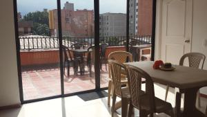 Habitaciones en Medellín (Apartahotel Ferjaz), Гостевые дома  Медельин - big - 104