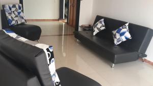 Habitaciones en Medellín (Apartahotel Ferjaz), Гостевые дома  Медельин - big - 112