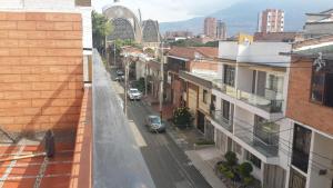 Habitaciones en Medellín (Apartahotel Ferjaz), Гостевые дома  Медельин - big - 89