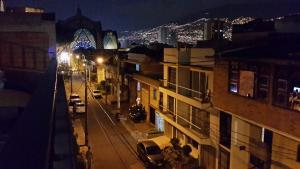 Habitaciones en Medellín (Apartahotel Ferjaz), Гостевые дома  Медельин - big - 94