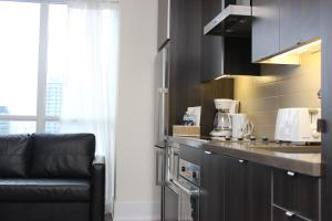 Superior Three-Bedroom Apartment with Balcony and Lake View