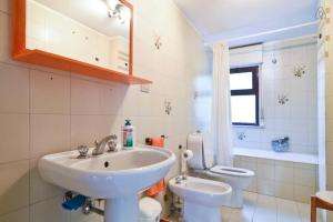 Appartamenti Punta Aguzza, Apartmány  Aci Castello - big - 11