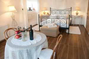 Anita Home, Apartmány  Gyenesdiás - big - 19