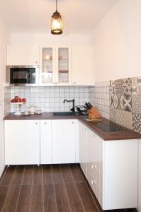 Anita Home, Apartmány  Gyenesdiás - big - 18