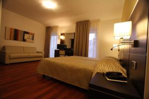 Hotel Villa Rosa, Hotely  Nago-Torbole - big - 2