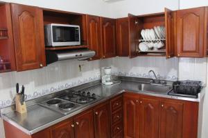 Habitaciones en Medellín (Apartahotel Ferjaz), Гостевые дома  Медельин - big - 128