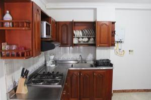 Habitaciones en Medellín (Apartahotel Ferjaz), Гостевые дома  Медельин - big - 132