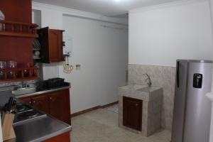 Habitaciones en Medellín (Apartahotel Ferjaz), Гостевые дома  Медельин - big - 131