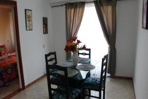 Habitaciones en Medellín (Apartahotel Ferjaz), Гостевые дома  Медельин - big - 133