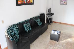 Habitaciones en Medellín (Apartahotel Ferjaz), Гостевые дома  Медельин - big - 130