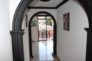 Habitaciones en Medellín (Apartahotel Ferjaz), Гостевые дома  Медельин - big - 85