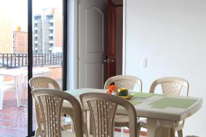 Habitaciones en Medellín (Apartahotel Ferjaz), Гостевые дома  Медельин - big - 105
