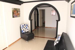 Habitaciones en Medellín (Apartahotel Ferjaz), Гостевые дома  Медельин - big - 90