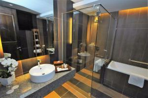 Ombak Villa Langkawi, Resorts  Kampung Padang Masirat - big - 17