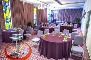 Marshal Garden Hotel, Отели  Бухарест - big - 57